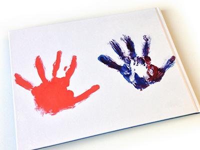 De voorkant van het herinneringsboek -Kindertekeningen-