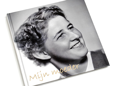 De voorkant van het herinneringsboek -Mijn moeder-